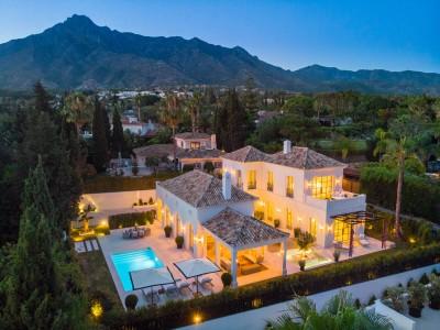 805139 - Villa For sale in Nagüeles, Marbella, Málaga, Spain