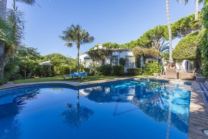Great family home just a few metres away from the beach in Marbesa.