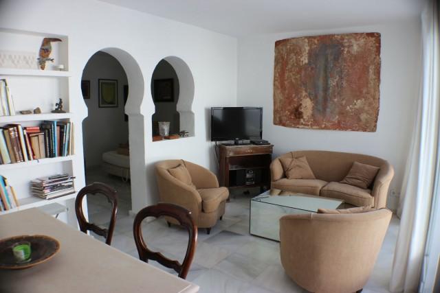 apartment 1 lounge