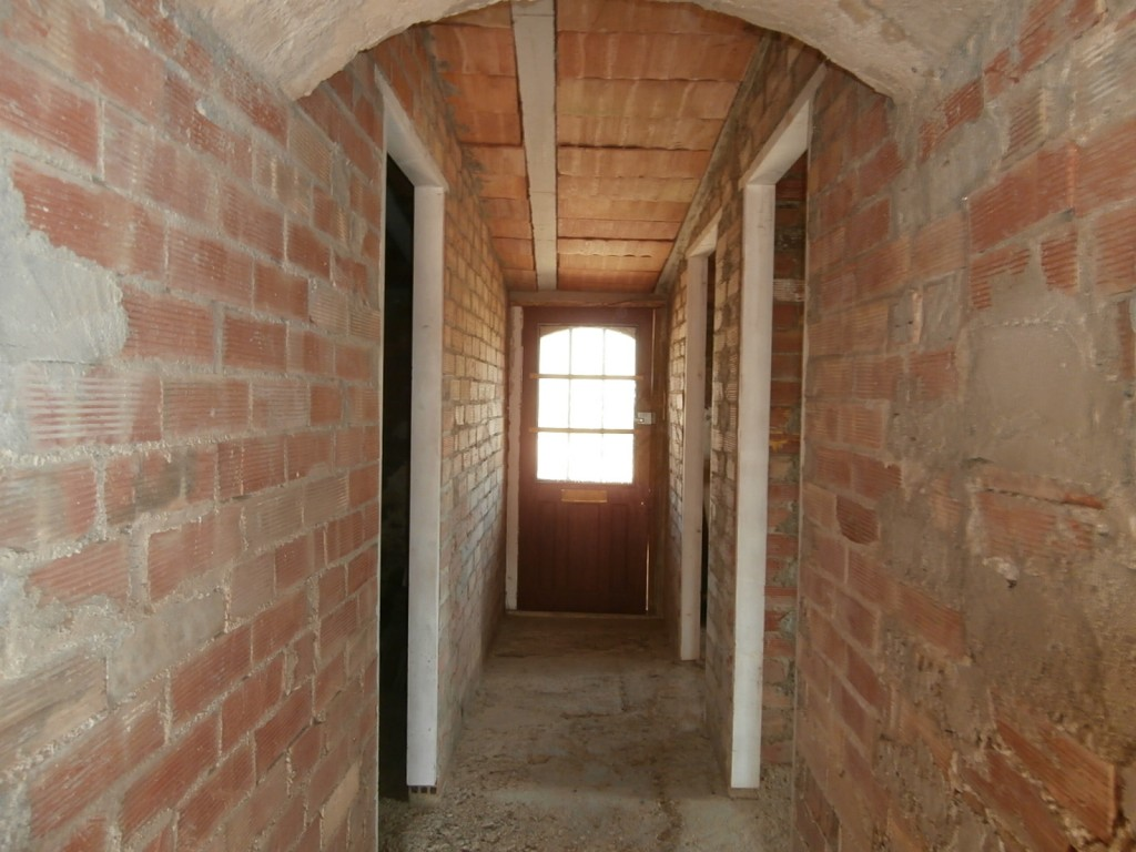 passageway to back rooms ground floor
