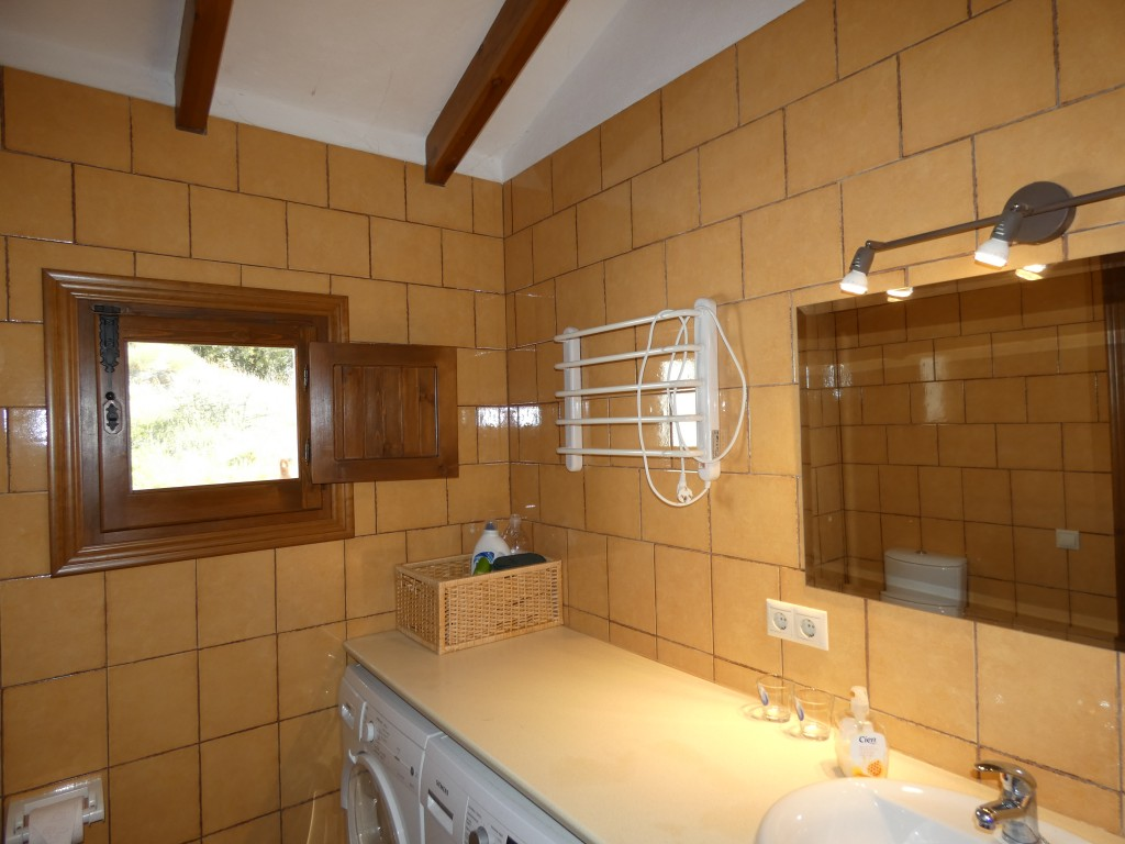 bathroom - guest cottage