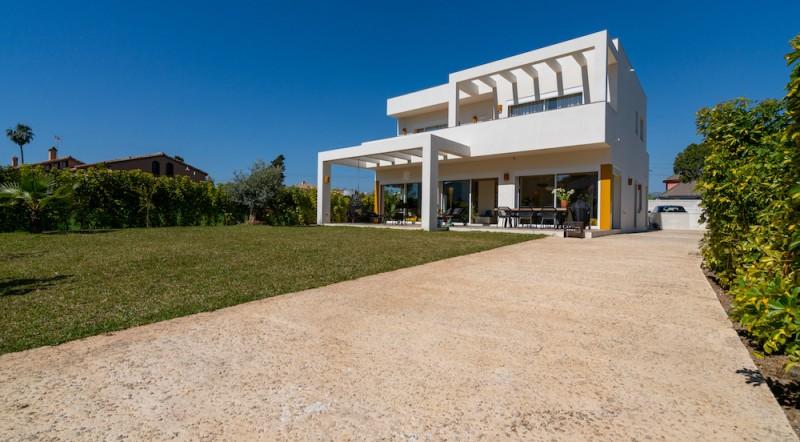 M603_01 Villa Beachside