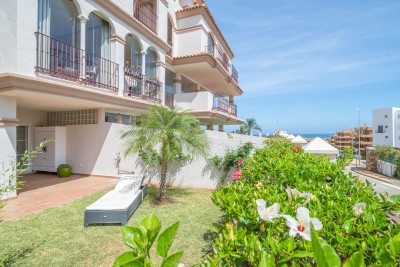 La Cala garden apartment walking distance