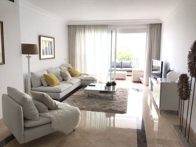 Apartment for sale near a golf  with 2 bedrooms, 2 baths fully  renovated modern style , with sea views near Marbella in Lomas del Marques, Benahavis