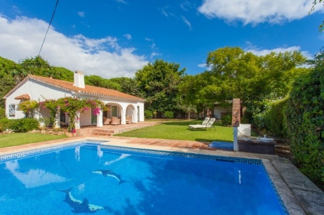 Beachside villa for sale to refurbish , investment opportunity, Marbesa , Las Chapas near Elvira East Marbella