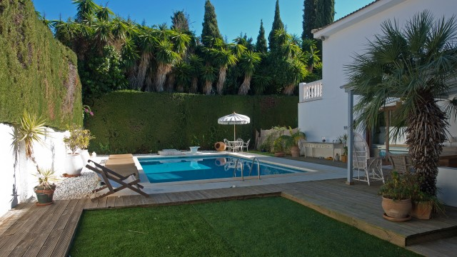 Villa for sale with 4 bedrooms  in Nagueles, near Sierra Blanca, The Golden Mile  of Marbella