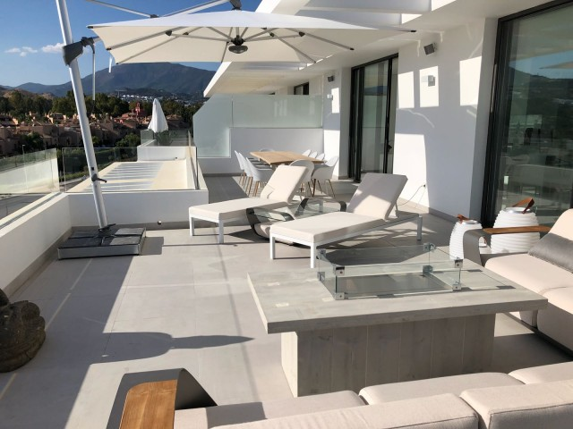 MODERN NEWLY BUILT LUXURY PENTHOUSE ATALAYA GOLF  NEW GOLDEN MILE, CLOSE TO BENAHAVIS AND SAN PEDRO