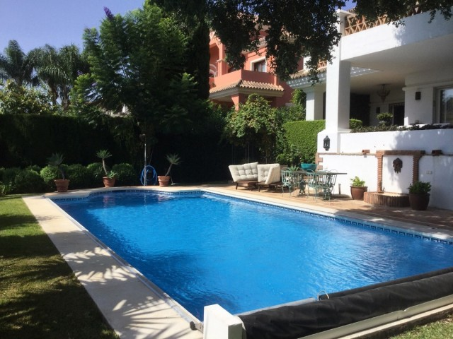 LUXURY VILLA IN ALTOS REALES GATED EXCLUSIVE COMPLEX CLOSE TO MARBELLA AND SIERRA BLANCA