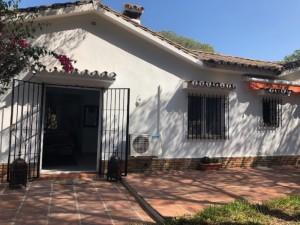 Bungalow for sale in Marbesa, Marbella, Málaga, Spain