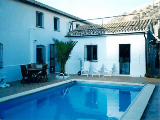 pool-guest-house