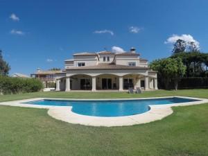 Villa for sale in Artola Baja, Marbella, Málaga, Spain