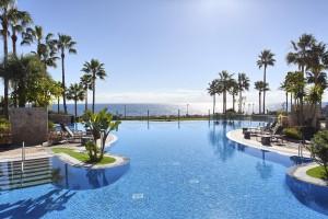 Penthouse for sale in East Estepona Playa, Estepona, Málaga, Spain