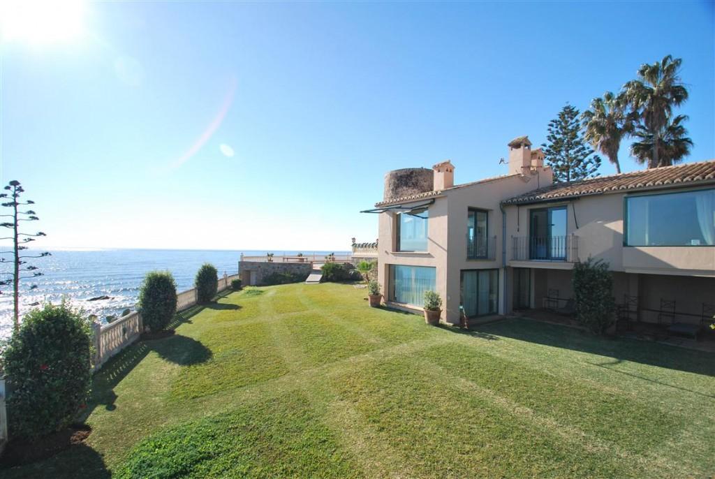 Ref:AM2143 Villa For Sale in Calahonda