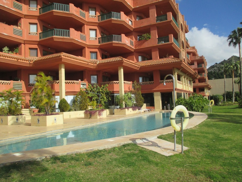 Ref:AM2335 Apartment For Sale in Benalmádena