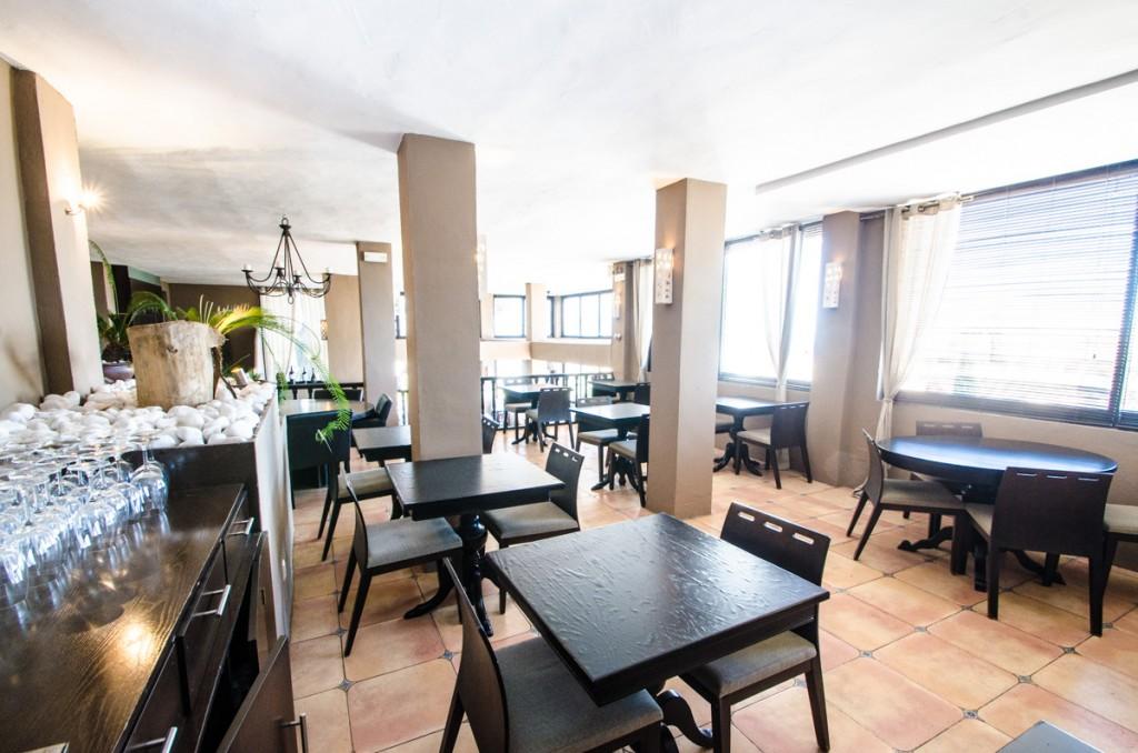 Ref:AM2418 Restaurant For Sale in Elviria