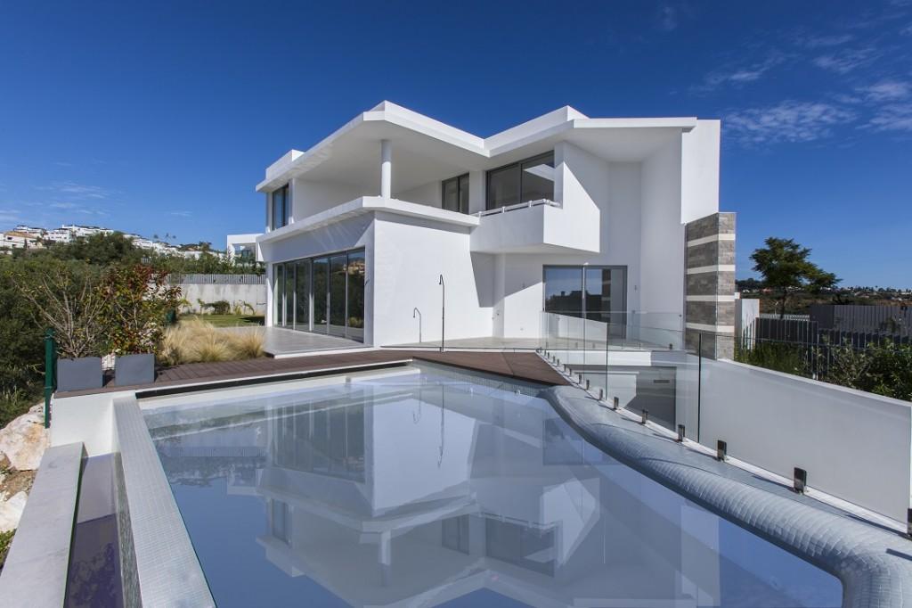 Ref:AM2454 Villa For Sale in Santa Clara Golf