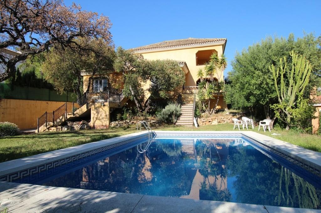 Ref:AM2459 Villa For Sale in Elviria