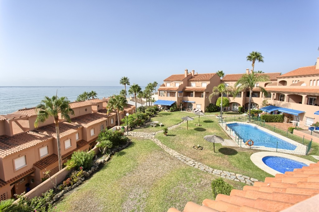 Ref:AM2468 Penthouse Duplex For Sale in Estepona