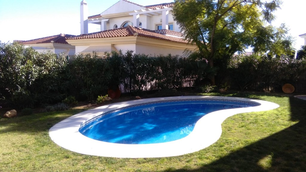 Ref:AM2374 Villa For Sale in Riviera