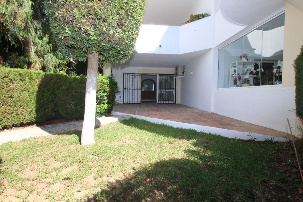 Ref:AM2492 Ground Floor For Sale in Calahonda