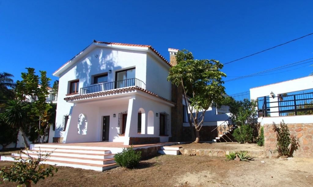 Ref:AM2395 Villa For Sale in Fuengirola