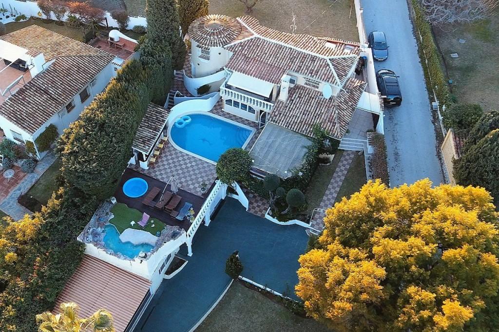 Ref:AM2397 Villa For Sale in Nueva Andalucia