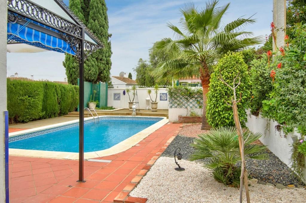 Ref:AM2399 Villa For Sale in Calahonda