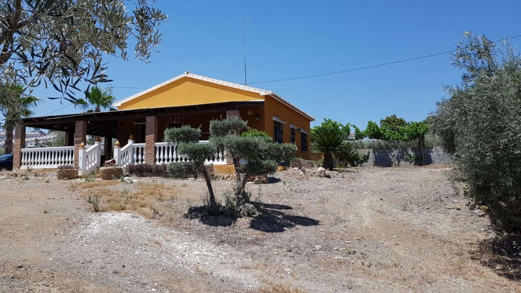 Ref:AM2704 Villa For Sale in Coín