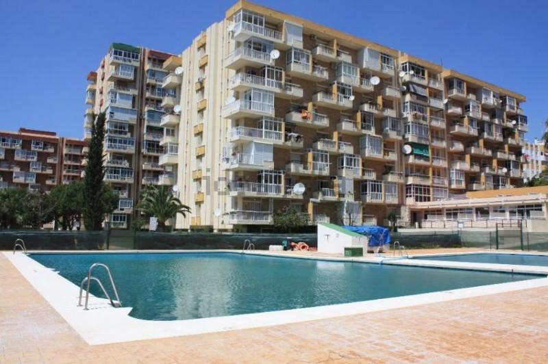 pool-building