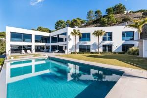 Villa for sale in Benahavís, Málaga, Spain