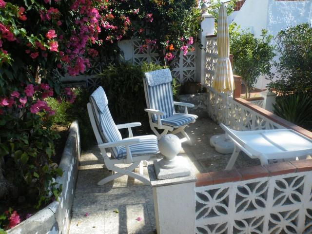 part rear terrace