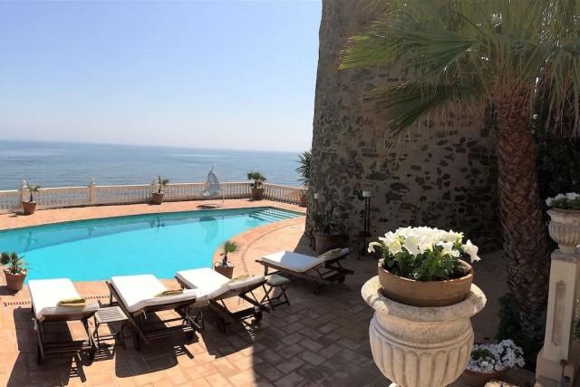 sunbeds front line beach villa