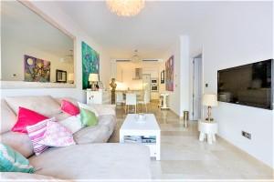 Apartment Sprzedaż Nieruchomości w Hiszpanii in El Herrojo Alto, Benahavís, Málaga, Hiszpania