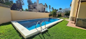 Detached Villa Sprzedaż Nieruchomości w Hiszpanii in Guadalmar, Torremolinos, Málaga, Hiszpania