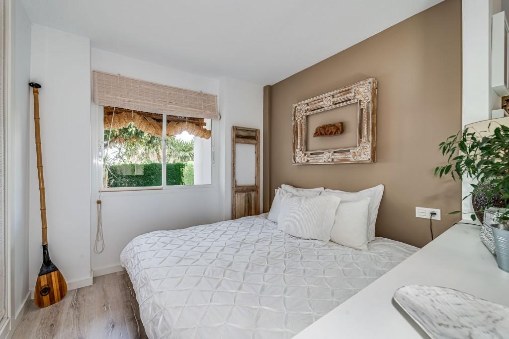 apartamento-totalmente-reformado-en-calahonda (7)