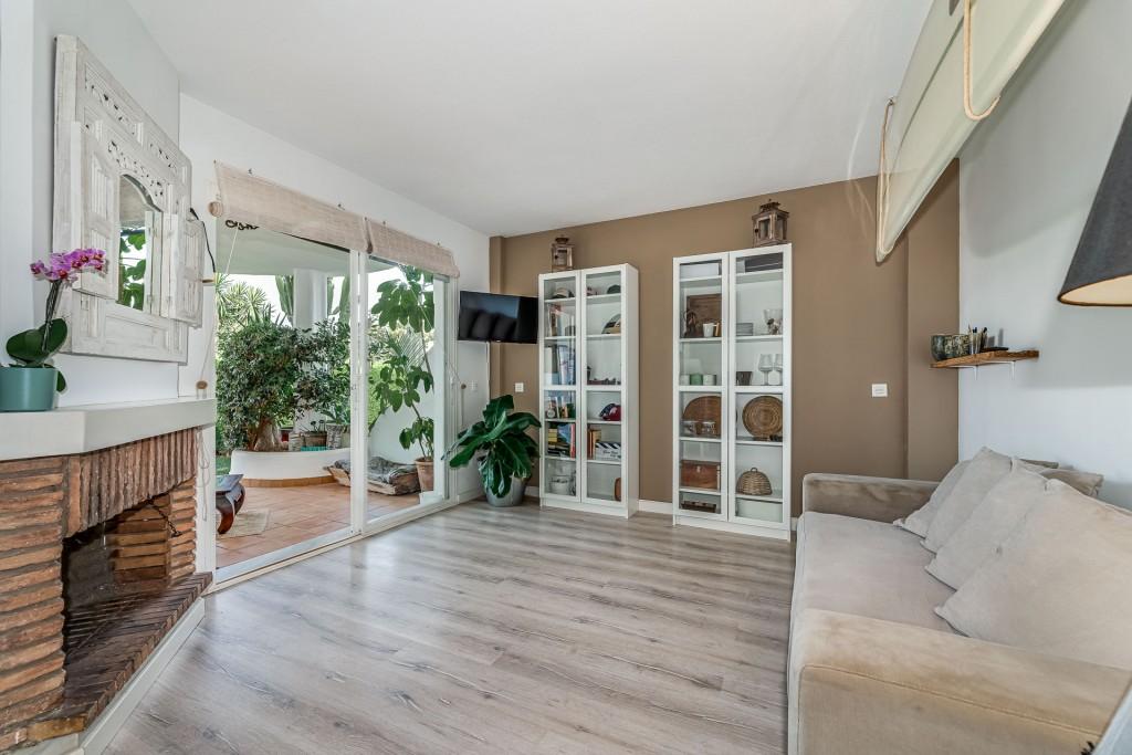 apartamento-totalmente-reformado-en-calahonda (8)
