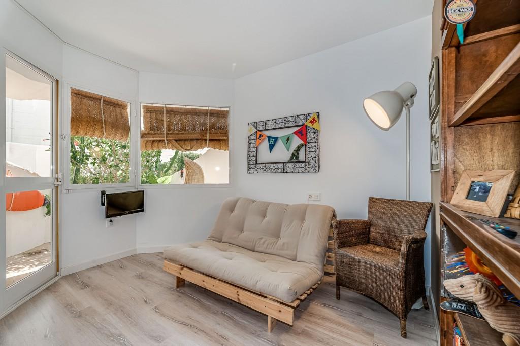 apartamento-totalmente-reformado-en-calahonda (10)