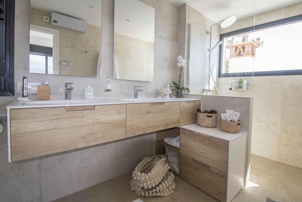 14. 19HC028 - Bathroom 2.1 (Copiar)