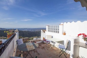 Charming townhouse with roof terrace, Canillas De Aceituno