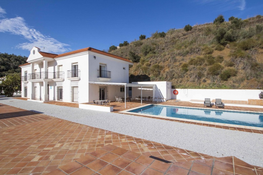1. 20HC003 - Pool and hotel 1.1 (Copiar)