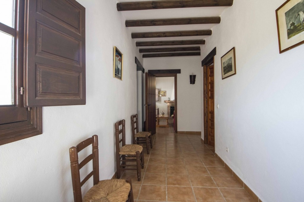 9. 20HC009 - Main house hallway 1.1 (Copiar)