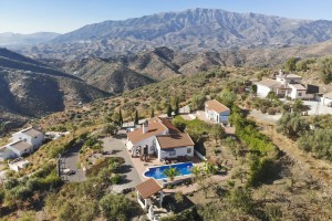 803365 - Country Home for sale in Arenas, Málaga, Spain