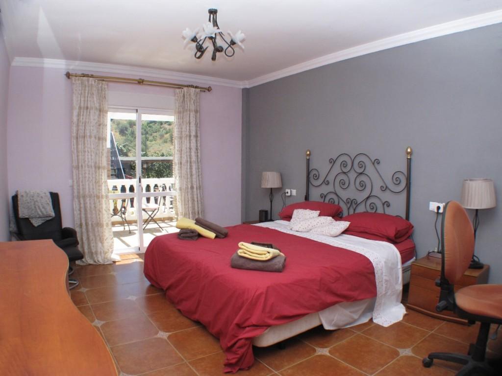 VillaBedroom1