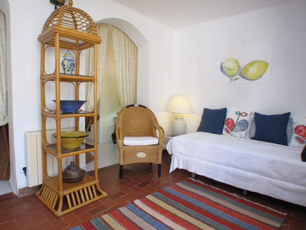 2ndLounge-bedroom