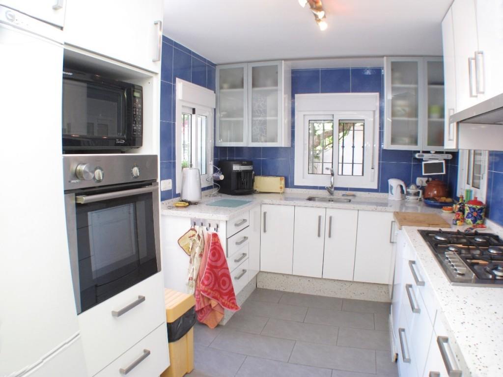 DPN2667_10_Kitchen