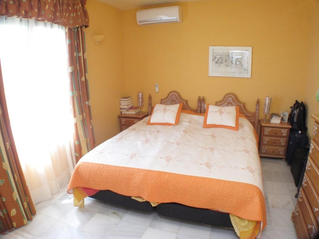 DPN2667_13_Bedroom2
