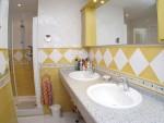 DPN2667_14_En_suiteBathroom