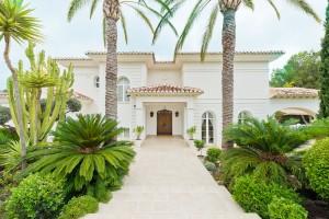 Luxurious Villa in the exclusive Cortijos de San Rafael