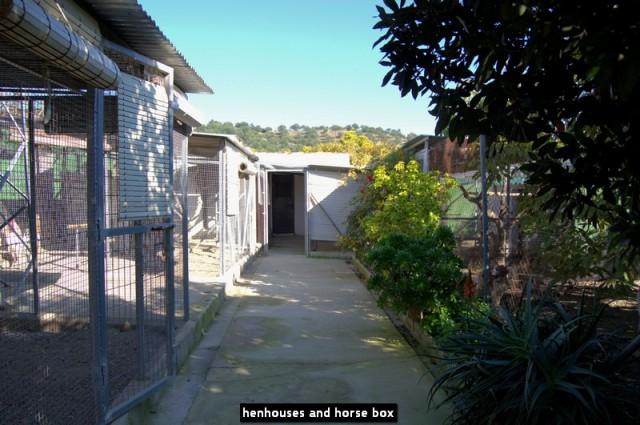 henhouses and horse box