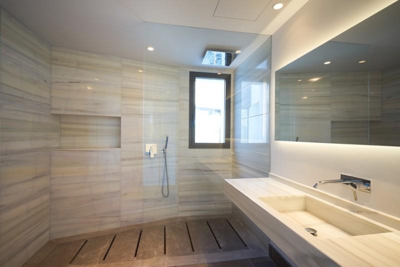 Ensuite shower room at 1st floor